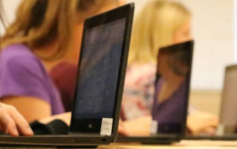 Laptops still a hit two years after arrival